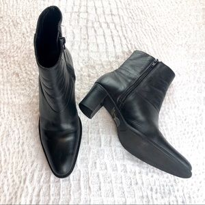 Black ankle boot booties size 7 San marina